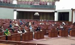 سنا: دولت عملا با اردو  و استخبارات پاکستان درگیر نبرد است